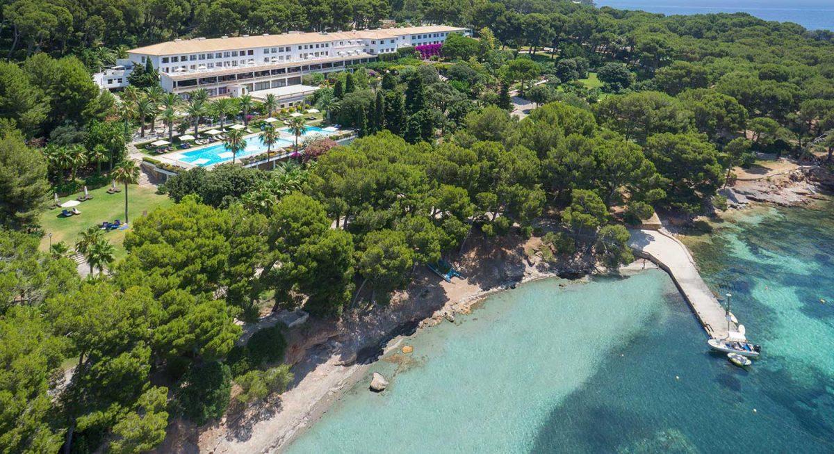 L'Hotel Formentor des de l'exterior