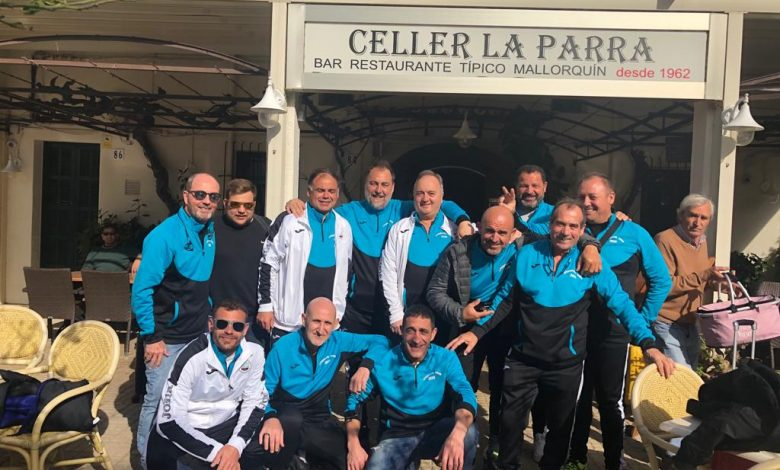 Photo of Els futbolistes veterans del Moll viatgen cap a Liverpool