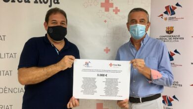 Photo of La Federació de penyes FCB de les Illes dóna 3.000 euros a la Creu Roja